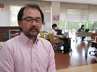 教育研究支援センター所長 田中善英